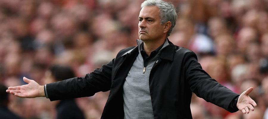 José Mourinho y el Manchester United apuntan a la cima de la Premier League.
